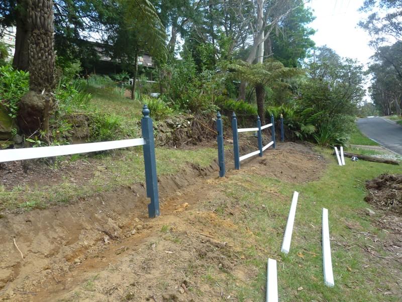 Piccolo White Picket Fence (20)