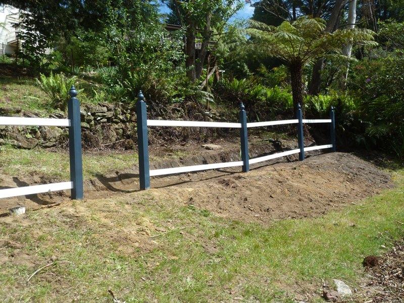 Piccolo White Picket Fence (22)
