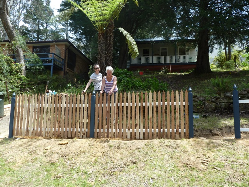 Piccolo White Picket Fence (25)