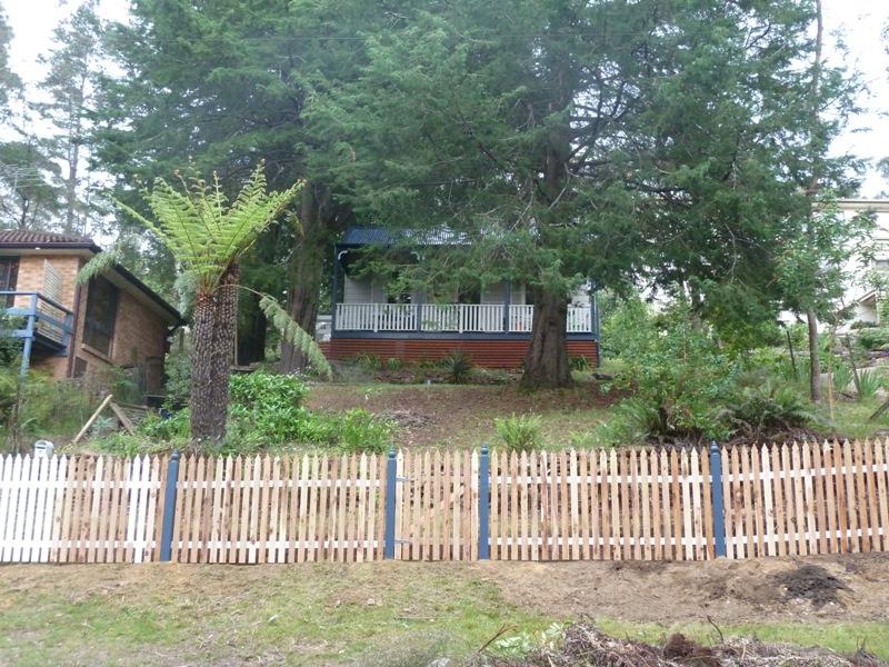 Piccolo White Picket Fence (31)