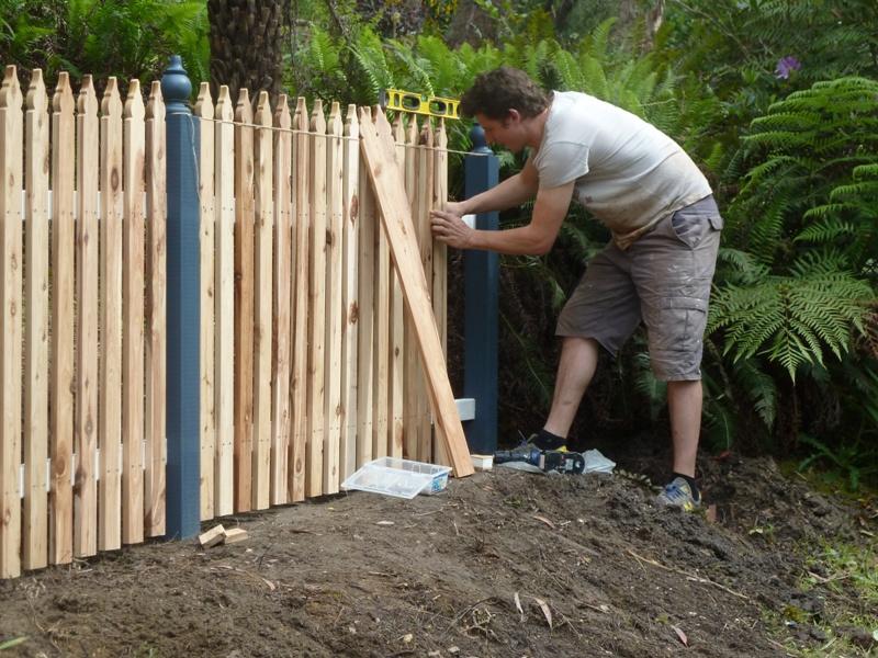 Piccolo White Picket Fence (32)