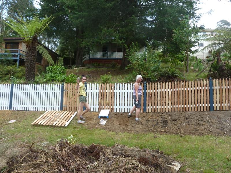 Piccolo White Picket Fence (35)