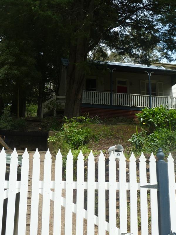 Piccolo White Picket Fence (41)